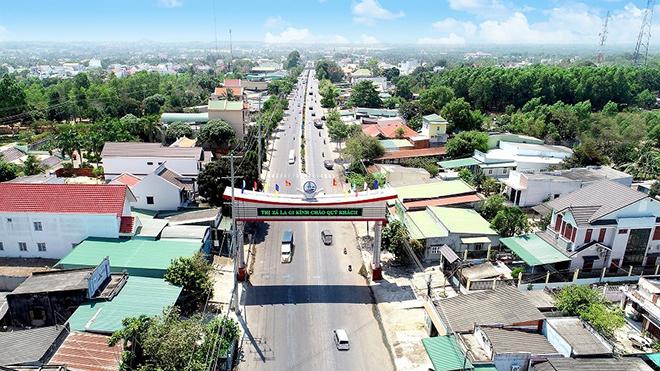 Hàng loạt các công trình hạ tầng được đầu tư, tạo bệ phóng cho La Gi lên thành phố - 1