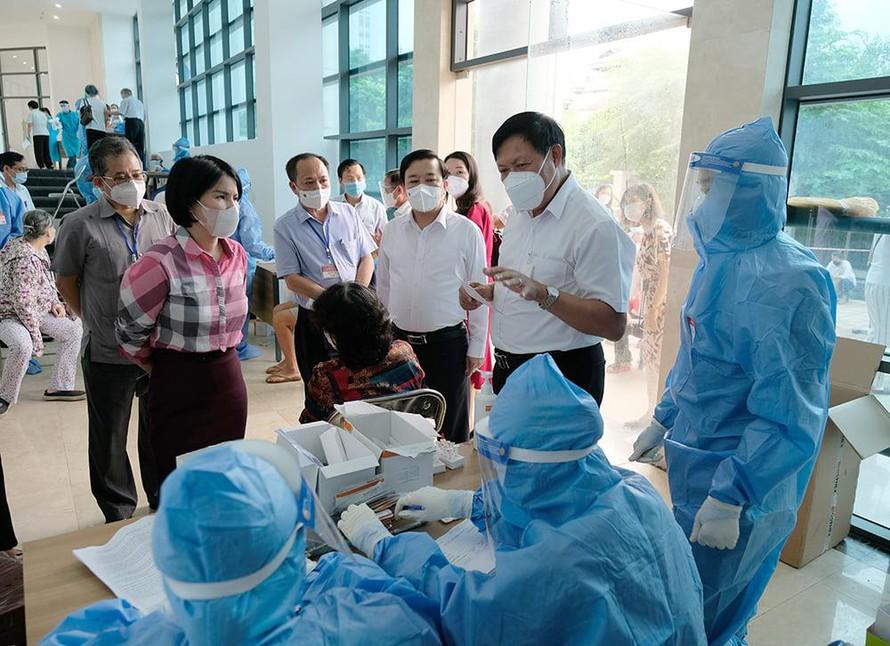 Phó chủ tịch Hà Nội: Thành phố cơ bản đã kiểm soát được dịch COVID-19 - 1