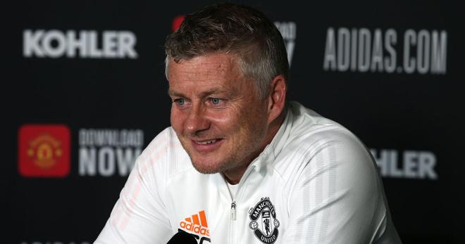 """Họp báo MU đấu West Ham: Cavani chưa thể đá cặp Ronaldo, """"tội đồ"""" Lingard đón tin vui - 1"""