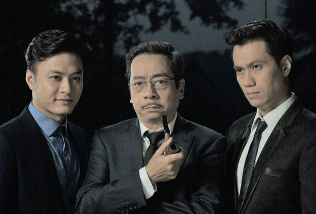 """Phim truyền hình """"Người phán xử"""" phát sóng năm 2017 được xem là bộ phim thành công nhất trên màn ảnh nhỏ Việt Nam vào năm đó khi chiếm trọn mọi chủ đề về phim ảnh. Phim khai thác về đời sống tội phạm với những tuyến nhân vật phản diện, chính diện hấp dẫn. Dù mưu mô, cuối cùng ông trùm và các tay chân cũng bị trừng trị. Đây là tác phẩm giúp tạo nên dấu ấn đặc sắc trong sự nghiệp của dàn diễn viên chính trong phim."""