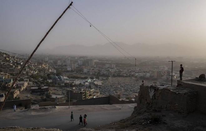 """Thủ đô Kabul hứng rốc-két, Taliban đứng trước """"phép thử"""" khó - 1"""