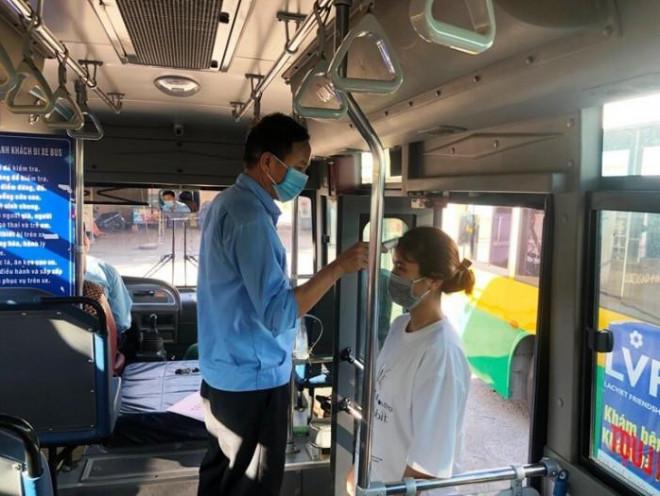 Đi xe buýt ở Hà Nội sau 21/9, hành khách cần điều kiện gì? - 1