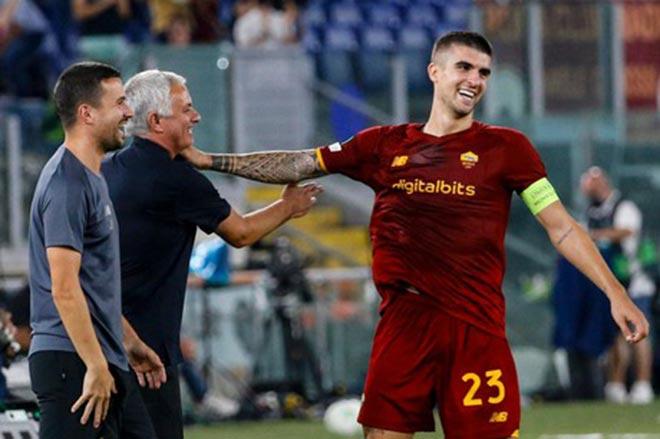 Roma của Mourinho khởi đầu mùa giải toàn thắng, thành tích tốt nhất châu Âu - 1
