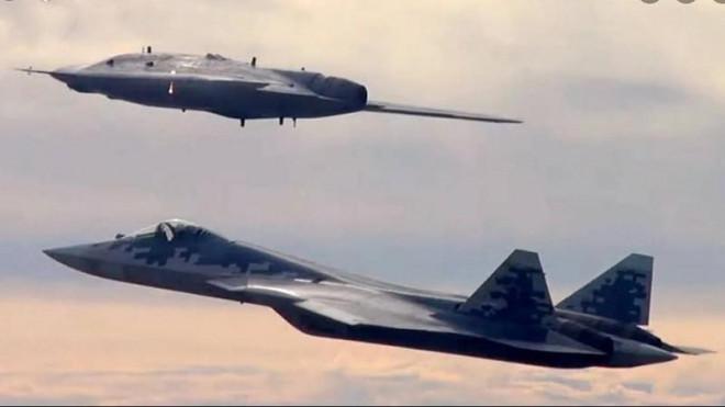Cặp sát thủ Su-57 và Hunter-B của Nga đem đến 'ác mộng' cho Không quân Mỹ? - 1