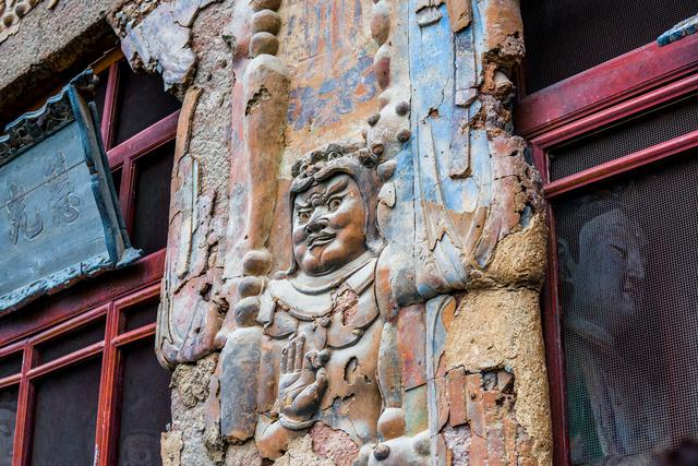 Choang voi hang dong hang nghin nam tuoi duoc dieu khac vao vach nui 6 1632069455 362 width640height427 10 địa điểm du lịch độc đáo nhất thế giới, mê mẩn ngay từ cái nhìn đầu tiên