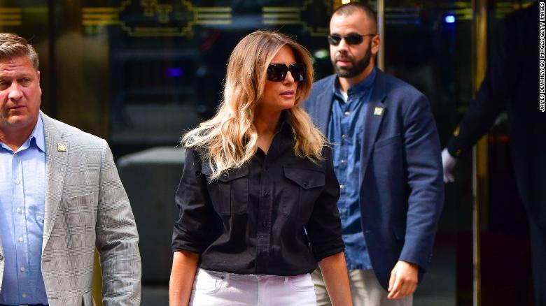 Lối sống trái ngược của vợ chồng cựu Tổng thống Trump thời hậu Nhà Trắng - 1