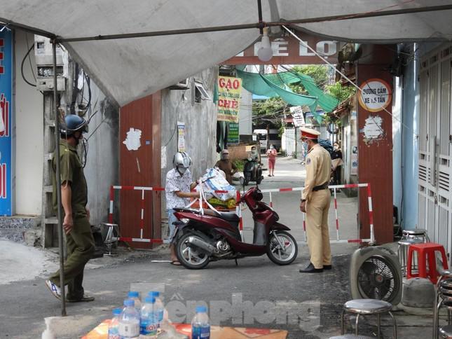 Phát hiện 3 ca dương tính cộng đồng, Hà Nam áp dụng biện pháp chống dịch mức cao nhất - 1