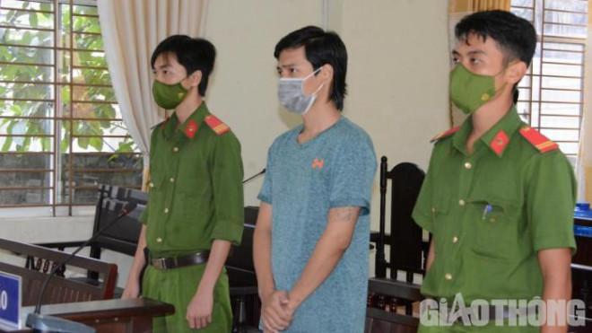 Nam thanh niên vượt chốt kiểm soát thăm người yêu lĩnh 2 năm 6 tháng tù - 1