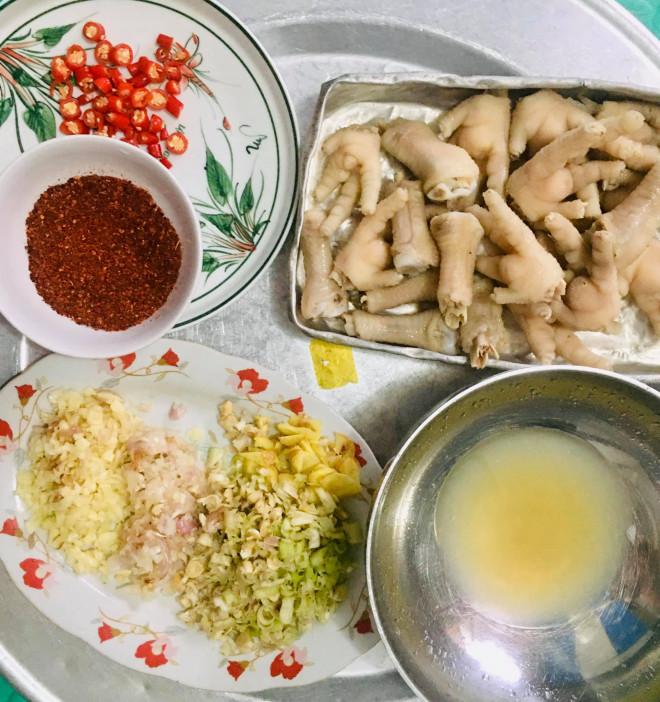 Chân gà sốt Thái làm thế này, vừa dễ vừa nhanh, chua ngọt giòn cay đủ vị - 1
