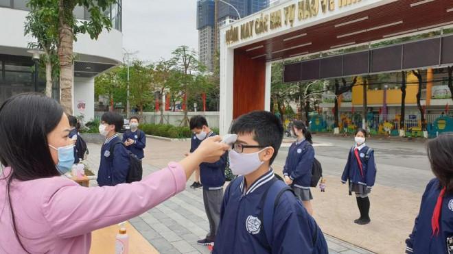 Hà Nội cân nhắc cho học sinh 'vùng xanh' quay lại trường học - 1