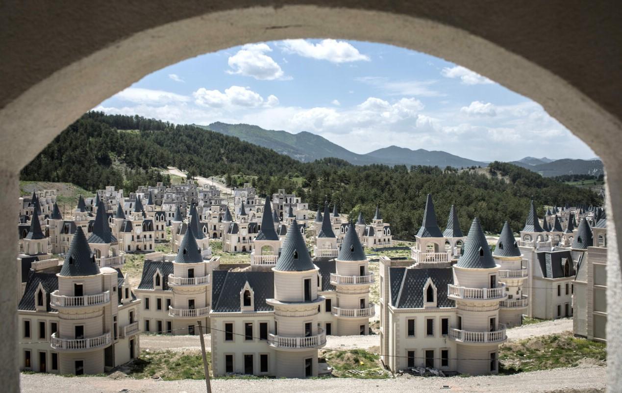 """Bí mật đằng sau """"thị trấn ma"""" cổ tích của Thổ Nhĩ Kỳ - 1"""