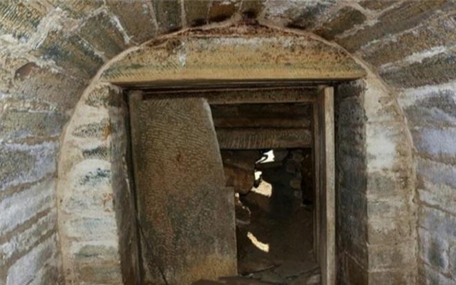 Kẻ trộm mộ xui xẻo nhất lịch sử Trung Hoa: Nằm bên châu báu suốt ngàn năm - 1