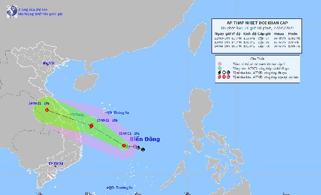 Khẩn: Áp thấp nhiệt đới có thể mạnh thành bão, di chuyển nhanh hướng vào Trung Bộ - 1