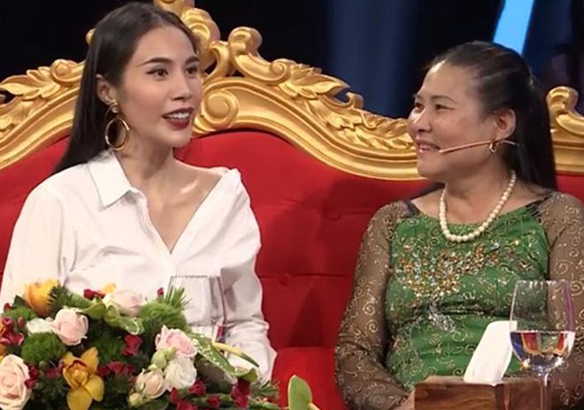 """Mẹ chồng Thủy Tiên, Hòa Minzy minh chứng """"cơm lành canh ngọt"""" với con dâu - 1"""