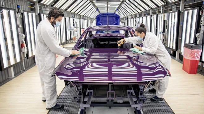 Nửa đầu tháng 9, lượng ô tô nhập khẩu về Việt Nam 'hụt hơi', khan hàng - 1