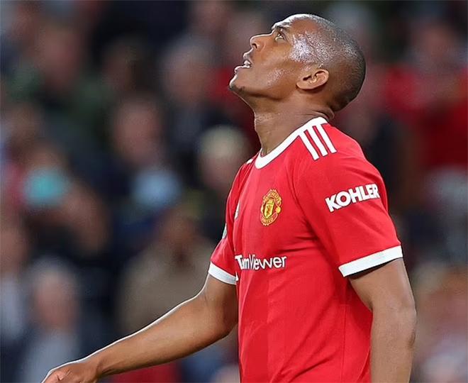 """Martial 14 trận liên tiếp không ghi bàn, fan tố là kẻ """"ăn trộm tiền"""" của MU - 1"""