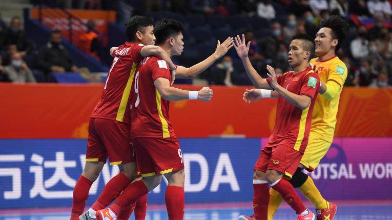 Futsal Việt Nam thua sát nút đương kim Á quân thế giới: Fan Thái Lan xôn xao - 1