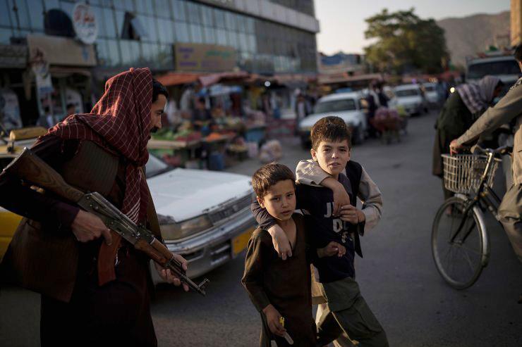 Sau 2 tuần Taliban cai trị, tình hình Afghanistan giờ ra sao? - 1