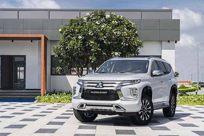 Giá xe Mitsubishi Pajero Sport tháng 9/2021, hỗ trợ 50% LPTB - 1