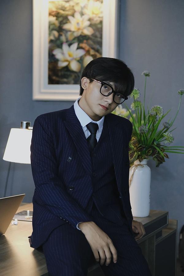 Toàn Phan - Chàng trai nổi bật cá tính, GenZ dám nghĩ, dám làm - 1