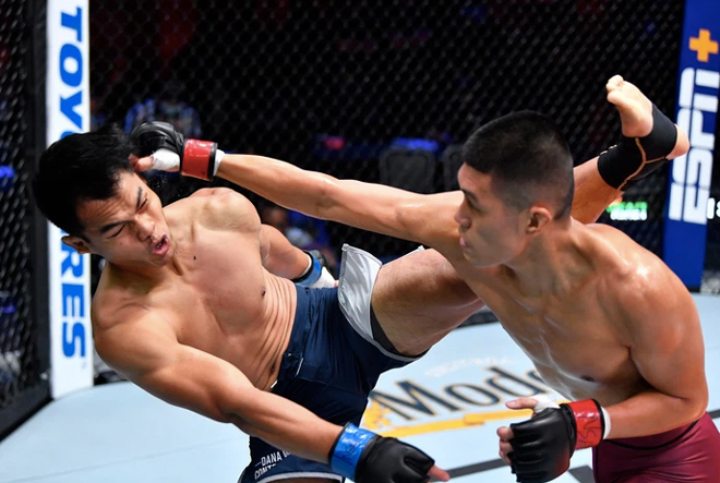 """Võ sĩ gốc Việt Steven Nguyễn khiến """"vua rừng"""" MMA nhận thất bại đầu tiên - 1"""