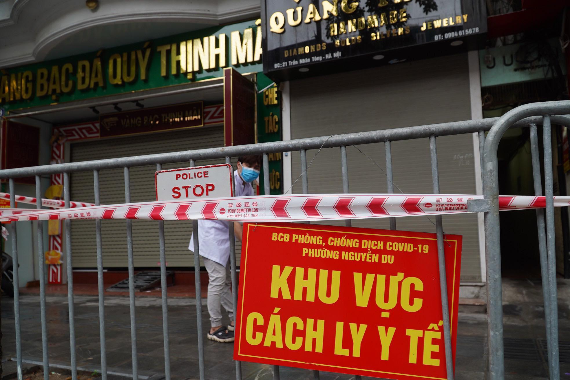 Hà Nội: Đã có kết quả xét nghiệm 168 người liên quan ca COVID-19 tử vong ở Trần Nhân Tông - 1