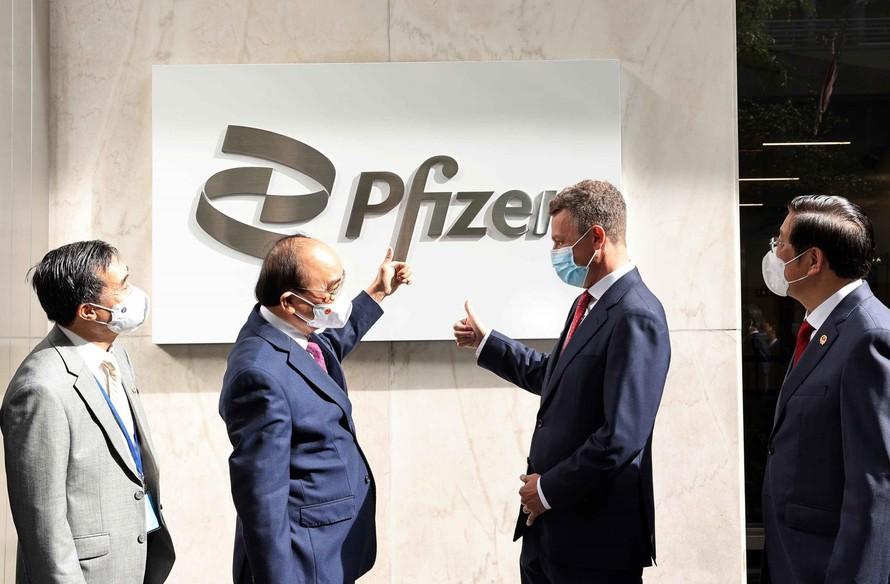 Pfizer cam kết cung cấp 31 triệu liều vắc-xin cho Việt Nam - 1