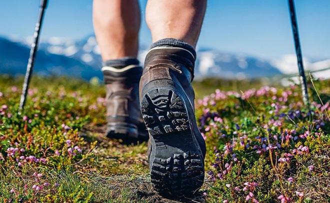 Tư vấn du lịch: Mẹo tránh phồng rộp chân khi đi du lịch - 1