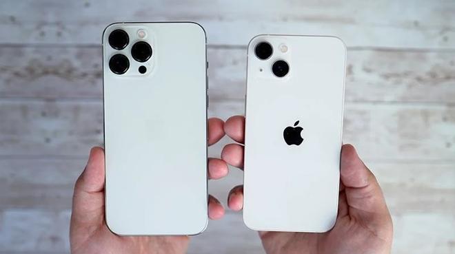 Cận cảnh đập hộp iPhone 13, iPhone 13 Pro và iPhone 13 Pro Max - 1