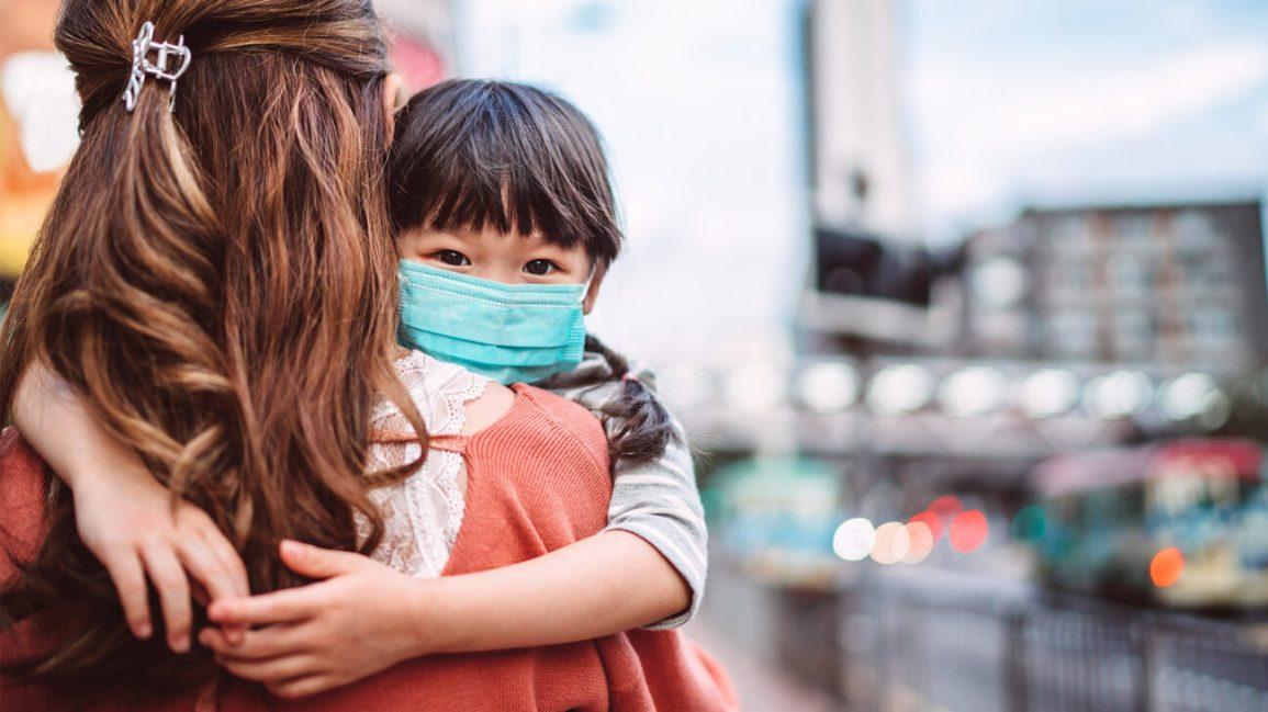 Trẻ em chỉ mắc COVID-19 thoáng qua, liệu có miễn dịch không? - 1