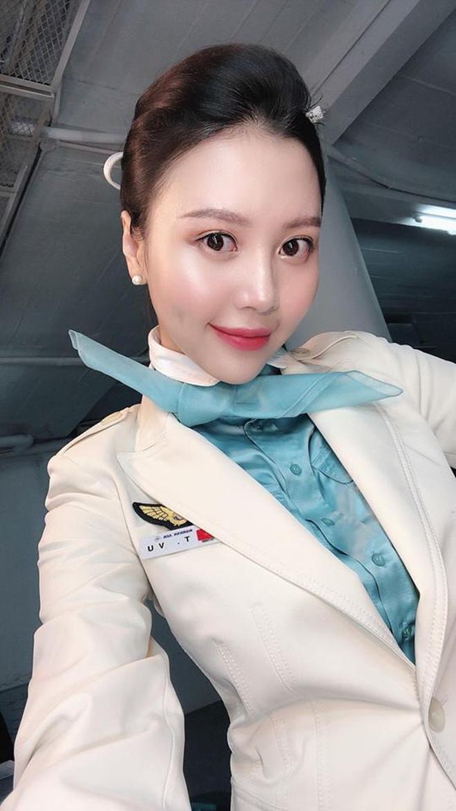 Cựu hoa khôi tiếp viên hàng không Việt đẹp ngỡ ngàng sau sinh