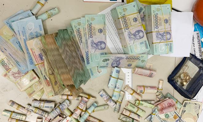 Khởi tố thêm 7 đối tượng trong đường dây đánh bạc hơn 2.000 tỷ đồng - 1