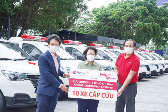 Nữ tỷ phú Nguyễn Thị Phương Thảo và HDBank tiếp tục ủng hộ TP.HCM phòng, chống dịch bệnh - 1
