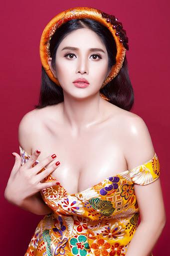 """thao trang 2 1632733148 679 width341height512 Vợ cũ Phan Thanh Bình khoe dáng """"mẹ bỉm sữa"""" nuột nà sau khi giảm được gần 3 yến"""