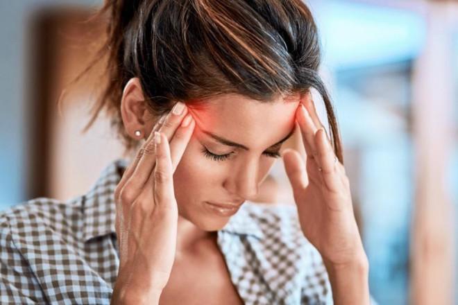 Dấu hiệu cảnh báo cơ thể đang 'chứa' cục máu đông có thể gây đột quỵ bất cứ lúc nào - 1