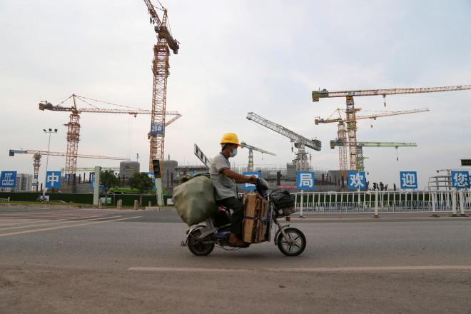 """Trung Quốc ồ ạt bơm tiền chặn đầu """"bom nợ"""" Evergrande - 1"""