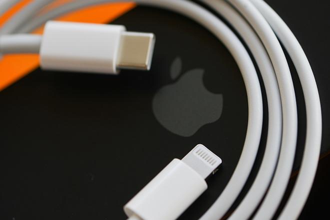 Lỳ đòn, Apple sắp bị phạt vì không kèm bộ sạc cho iPhone 13 - 3