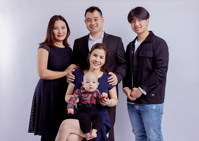 Hoa hậu Doanh nhân Diễm Giang cùng gia đình vui mừng đón thành viên mới - 1