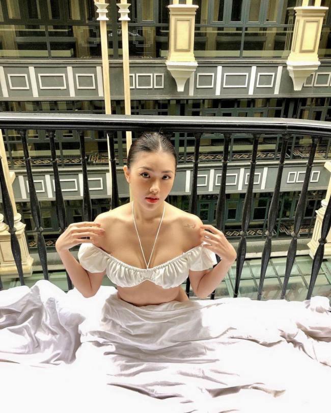 Châu Huỳnh Kim My là tiếp viên hàng không có ngoại hình xinh đẹp và nổi bật với phong cách thời trang ấn tượng.