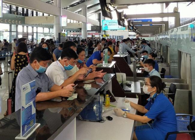 Giá vé cao và khan hiếm, Cục hàng không kiến nghị bỏ giãn cách trên máy bay - 1