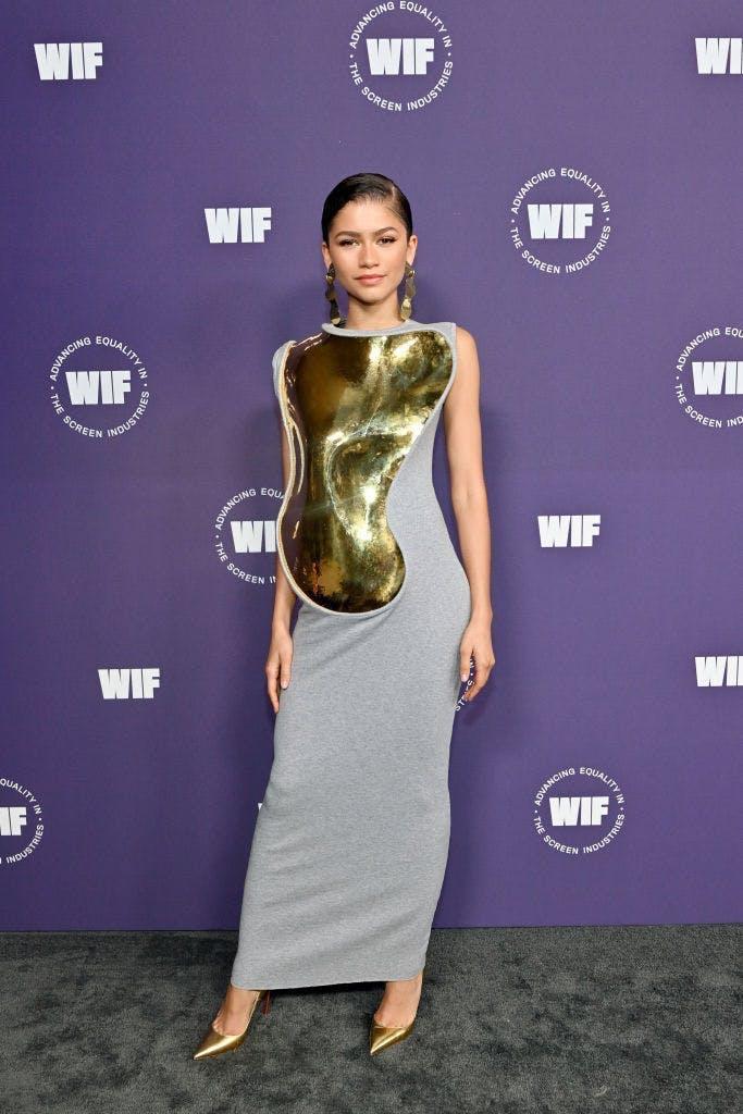 Zendaya lăng xê xu hướng đem tác phẩm điêu khắc lên quần áo - 1