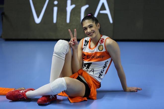 """7 mỹ nhân bóng chuyền đẹp nhất Thổ Nhĩ Kỳ: """"Chân dài"""" cao 1m98 xếp số 1 - 1"""