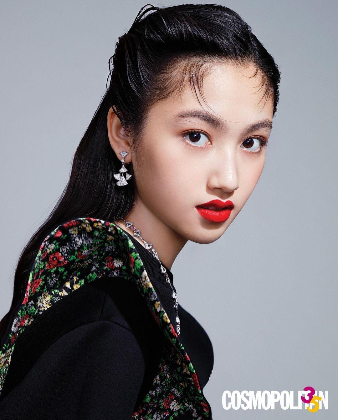 Con gái Nhậm Đạt Hoa đang tuổi dậy thì đã cao tới 1m80 được săn đón làm người mẫu - 1