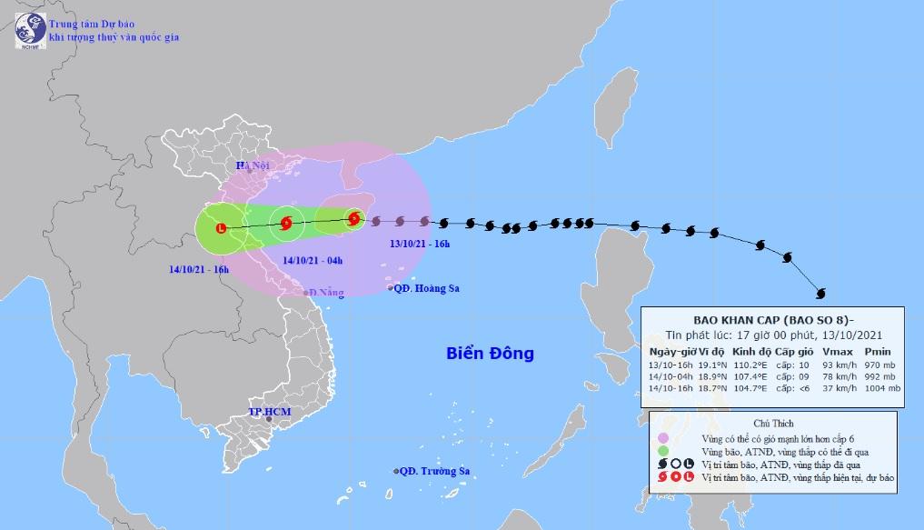 Bão số 8 bán kính ảnh hưởng rất rộng, bắt đầu gây mưa lớn trên đất liền - 1