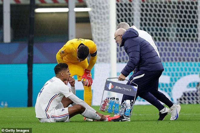 """Varane - Maguire chấn thương, """"ông già"""" 36 tuổi Ronaldo có gánh nổi MU - 1"""