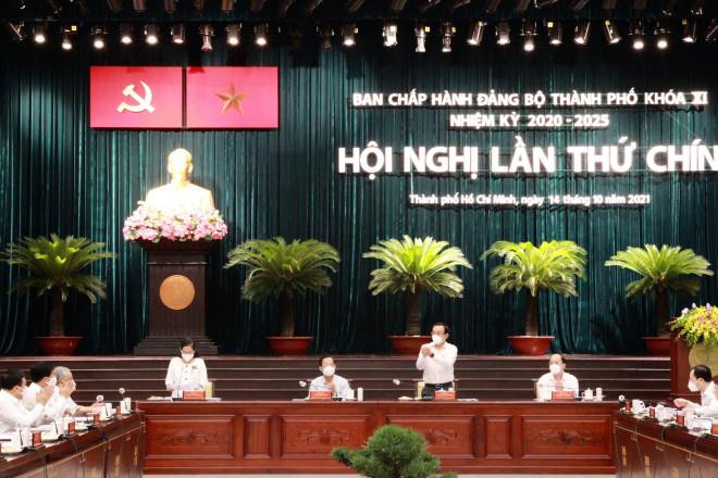 TP HCM: Tính toán giãn dân ở những nơi điều kiện sống không bảo đảm - 1