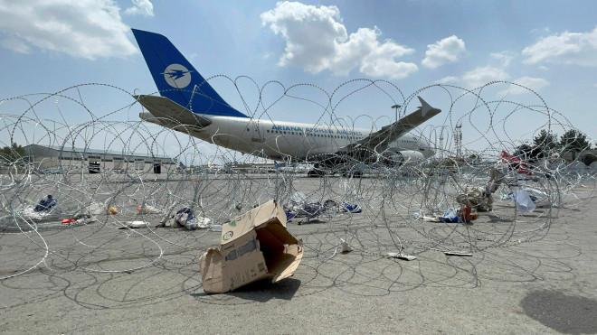 Không quân Mỹ tiết lộ chuyện động trời ở sân bay Kabul - 1
