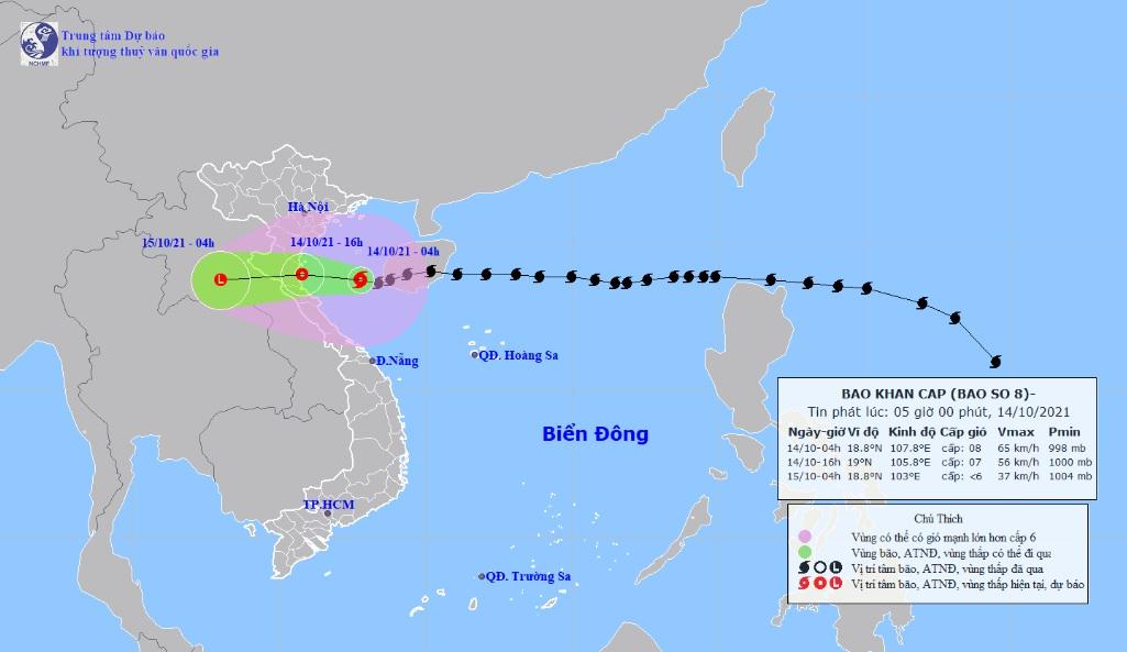 Bão số 8 Kompasu cách bờ biển miền Trung 200km, mưa to, gió giật nhiều nơi - 1