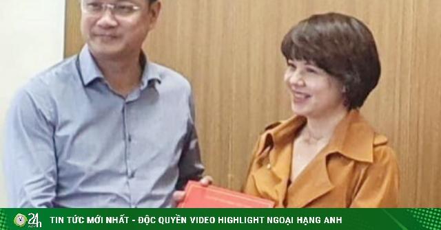 Nữ MC từ chối về Bộ Ngoại giao tiết lộ lý do làm sếp VFC